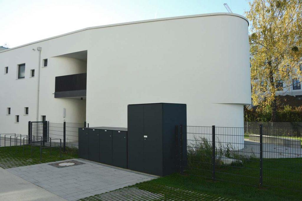 Design Mülltonnenbox und Design Gartenschrank in Berg am Laim