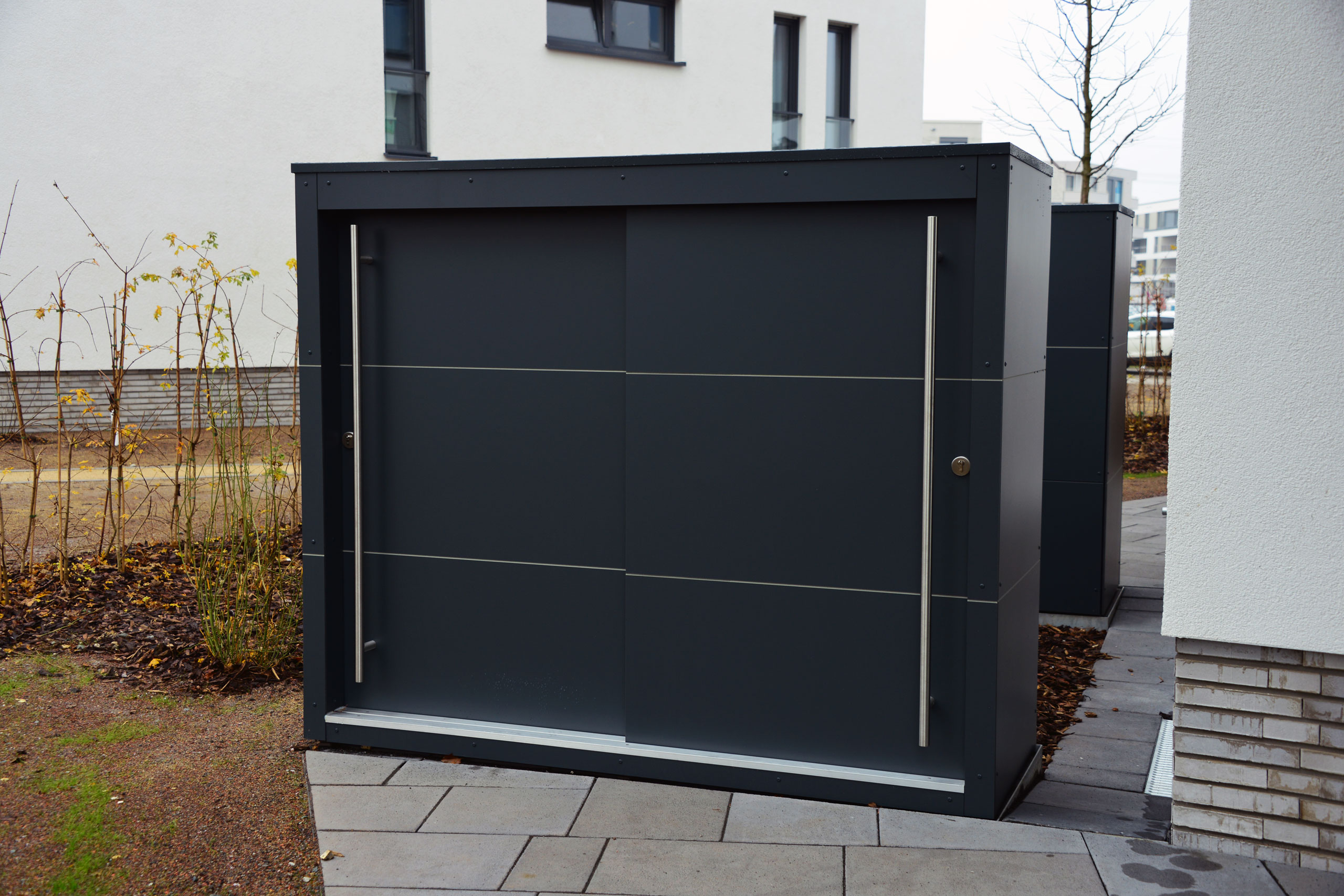 Großes KABINETT – Design Gartenschrank Projekt für eine exklusive Wohnanlage in Riedberg