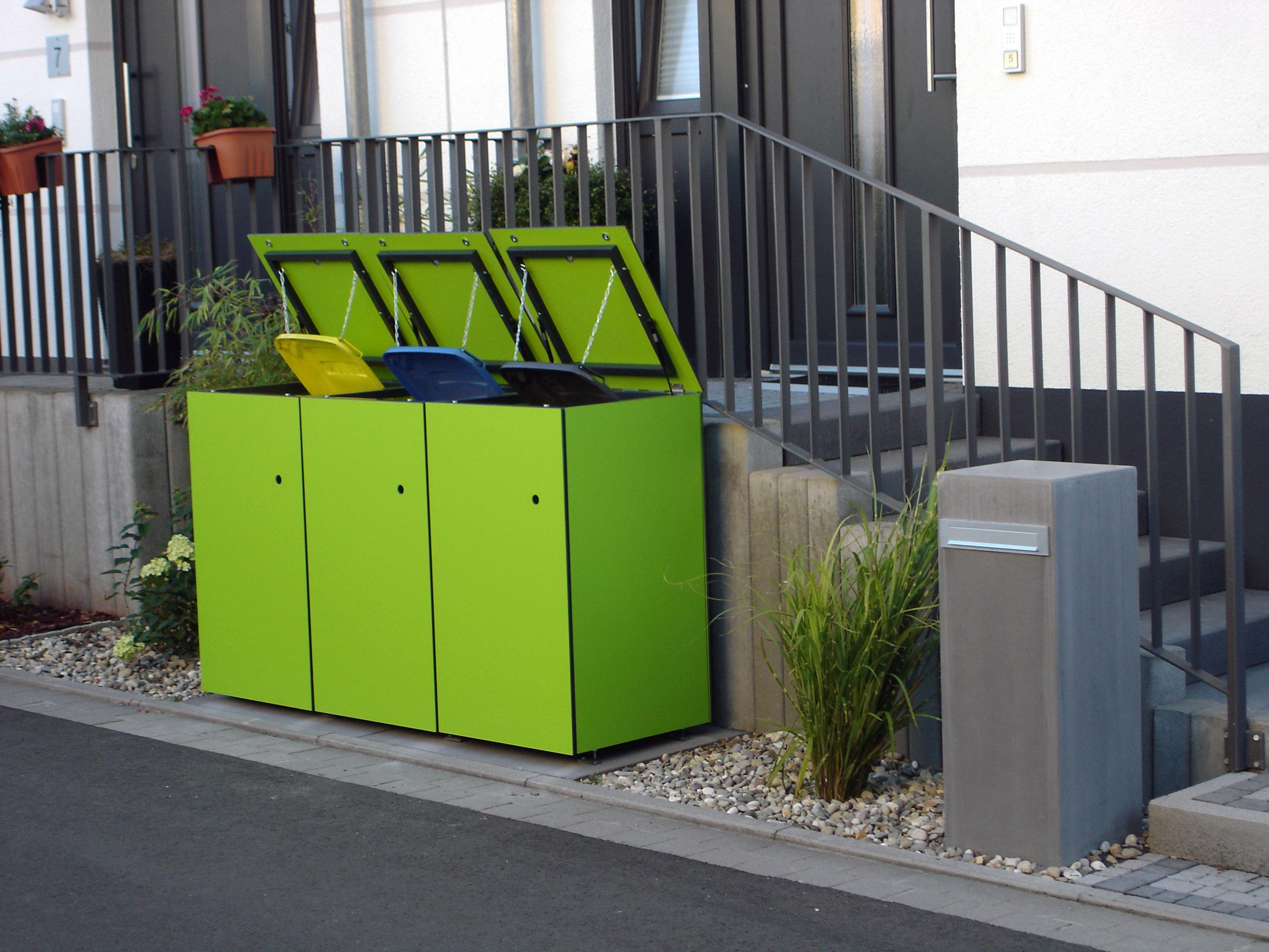 Knallig neongrüne MÜTO – Design Mülltonnenbox in Hanau