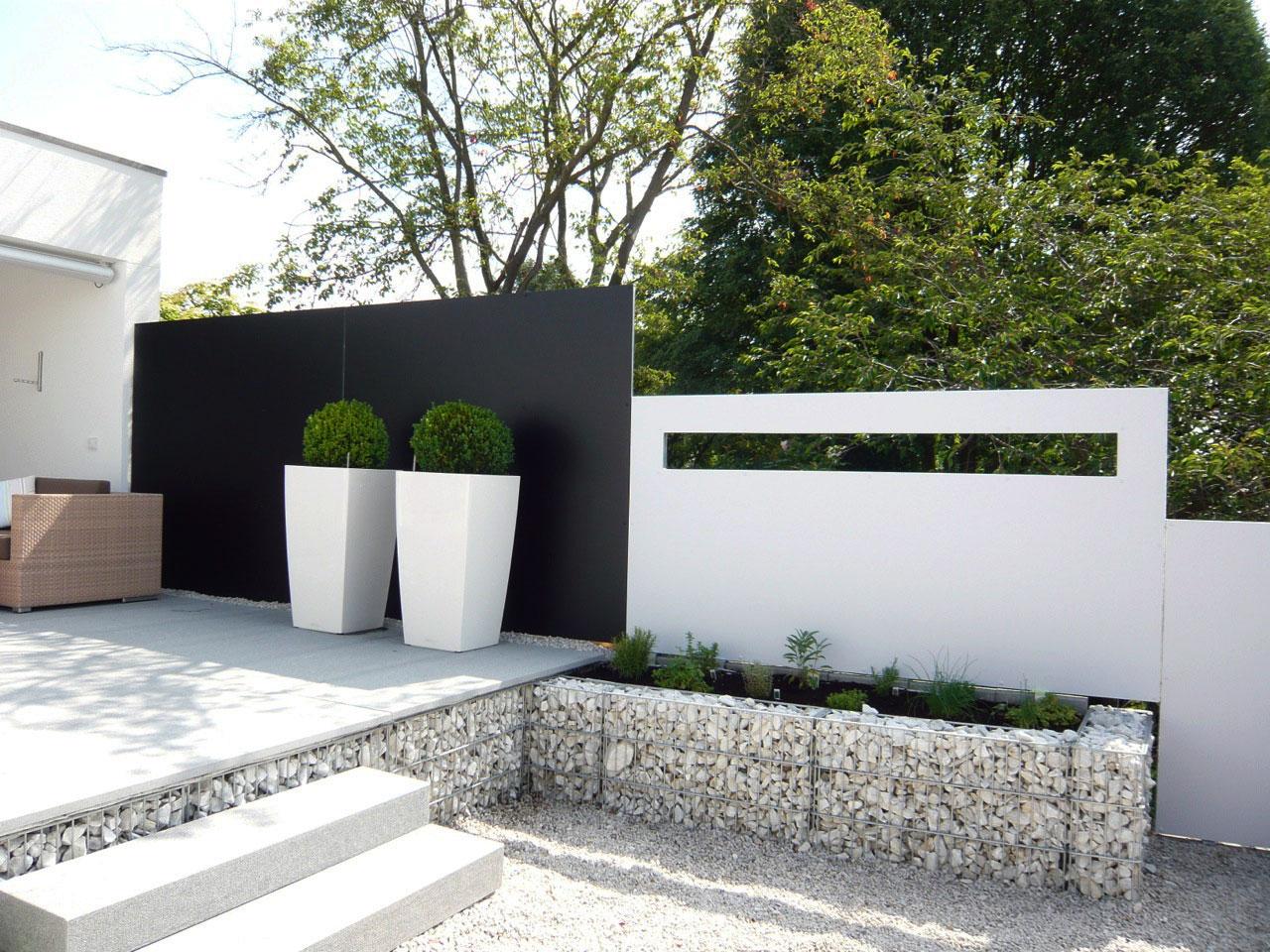 BLICKFANG – Design Sichtschutz perfektioniert stilvolle Garten Lounge in Dittelbrunn