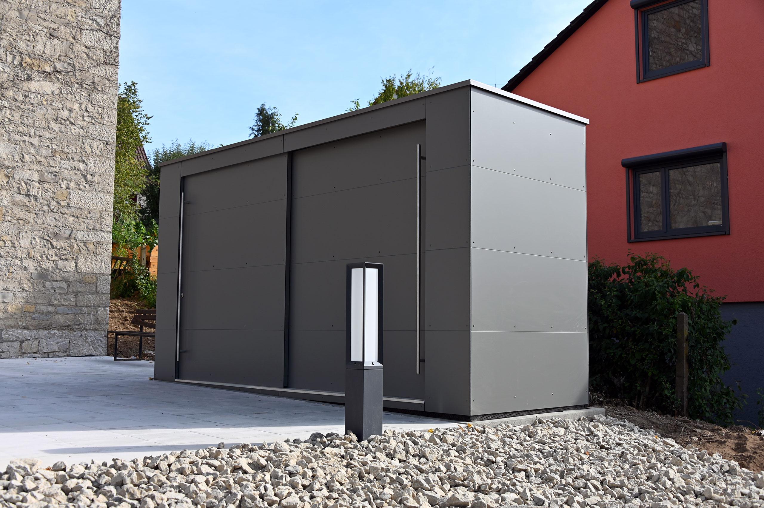 Ein himmlischer KABINETT – Design Gartenschrank nahe Würzburg