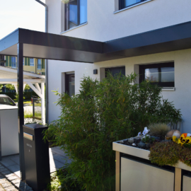 Design Haustürüberdachung in Zolling